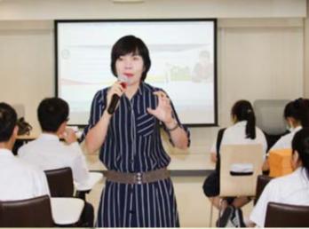 """วันที่ 8 พฤศจิกายน 2560 สำนักวิชาการศึกษาทั่วไปฯ ได้รับเกียรติจาก ดีเจพี่อ้อย  นภาพร ไตรวิทย์วารีกุล บรรยายในรายวิชาศึกษาทั่วไป หัวข้อ """"สิ่งแวดล้อมและจิตอาสา"""""""