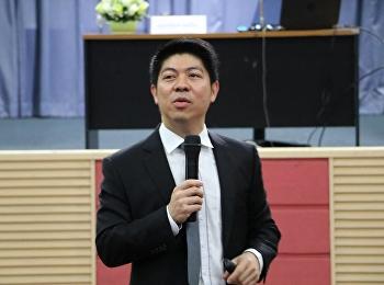 """วันที่ 19 มกราคม 2561 ได้รับเกียรติจาก ท่านสุริยัณห์ หงษ์วิไล (โฆษกศาลยุติธรรม) บรรยายรายวิชาศึกษาทั่วไป หัวข้อ """"พูดอย่างไรให้ถูกใจคนฟัง"""""""
