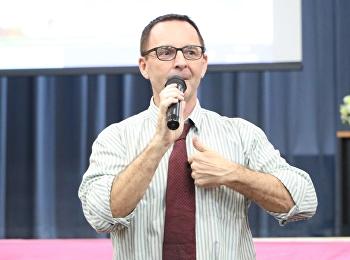 """วันที่ 28 มีนาคม 2561 ได้รับเกียรติจาก Mr.Kenny Riley บรรยายรายวิชาศึกษาทั่วไป หัวข้อ """" วัฒนธรรมไทยและวัฒนธรรมตะวันตก """""""