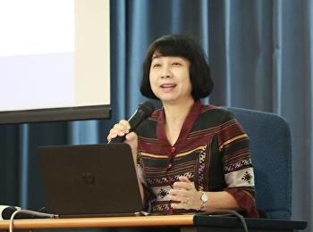 """วันที่ 30 สิงหาคม 2561 สำนักวิชาการศึกษาทั่วไปฯ ได้รับเกียรติจาก รองศาสตราจารย์สุวัฒนา เลี่ยมประวัติ อาจารย์ภาควิชาภาษาไทย คณะอักษรศาสตร์ มหาวิทยาลัยศิลปากร บรรยายหัวข้อ """"การใช้ภาษาไทยในงานวิชาการ"""""""