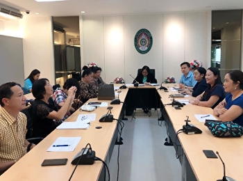 On November 23, 2018.Department of General Education auditorium service in the meeting Workgroup KM with the experts of the Division Director/Head of University office