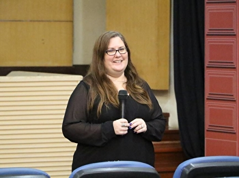 วิชาภาษาอังกฤษเพื่อการสื่อสารและการสืบค้น โดยได้รับเกียรติจาก Ms.Plankraiphet Jennilou Thompson